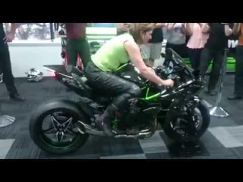 Kawasaki Ninja H2 R Exhaust Sound Youtube