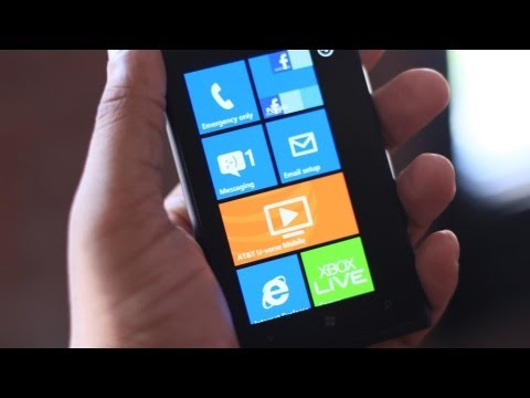 Unboxing: Nokia Lumia 900