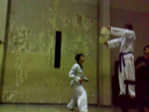 Tendangan 540 Derajat (Spin Kick) - by Windi thumbnail