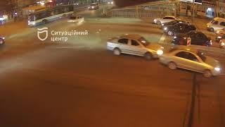 В Днепре на проспекте Слобожанском случилось тройное ДТП: видео момента