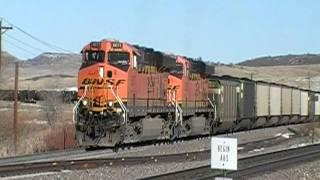 Train Horn Blast! Engineer Drains Airtanks! K5HL on a BNSF ES44AC! Palmer Divide, CO