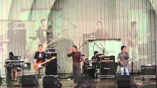 2011年8月13日 上野恩賜公園水上音楽堂にて2曲目に演奏。