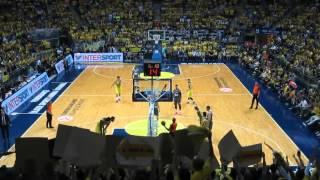 Ekpe Udoh Madness of Fenerbahçe Fans | Ekpe'nin çılgınca mücadelesi taraftarı coşturur