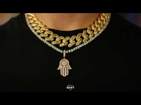 iced-out-yellow-gold-baguette-diamond-hamsa-hand-pendant---skrt®