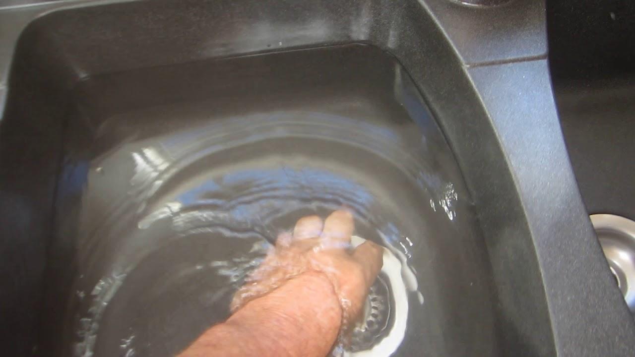 Comment Nettoyer Evier Resine Blanc entretien d'un evier en resine de synthese noir - youtube