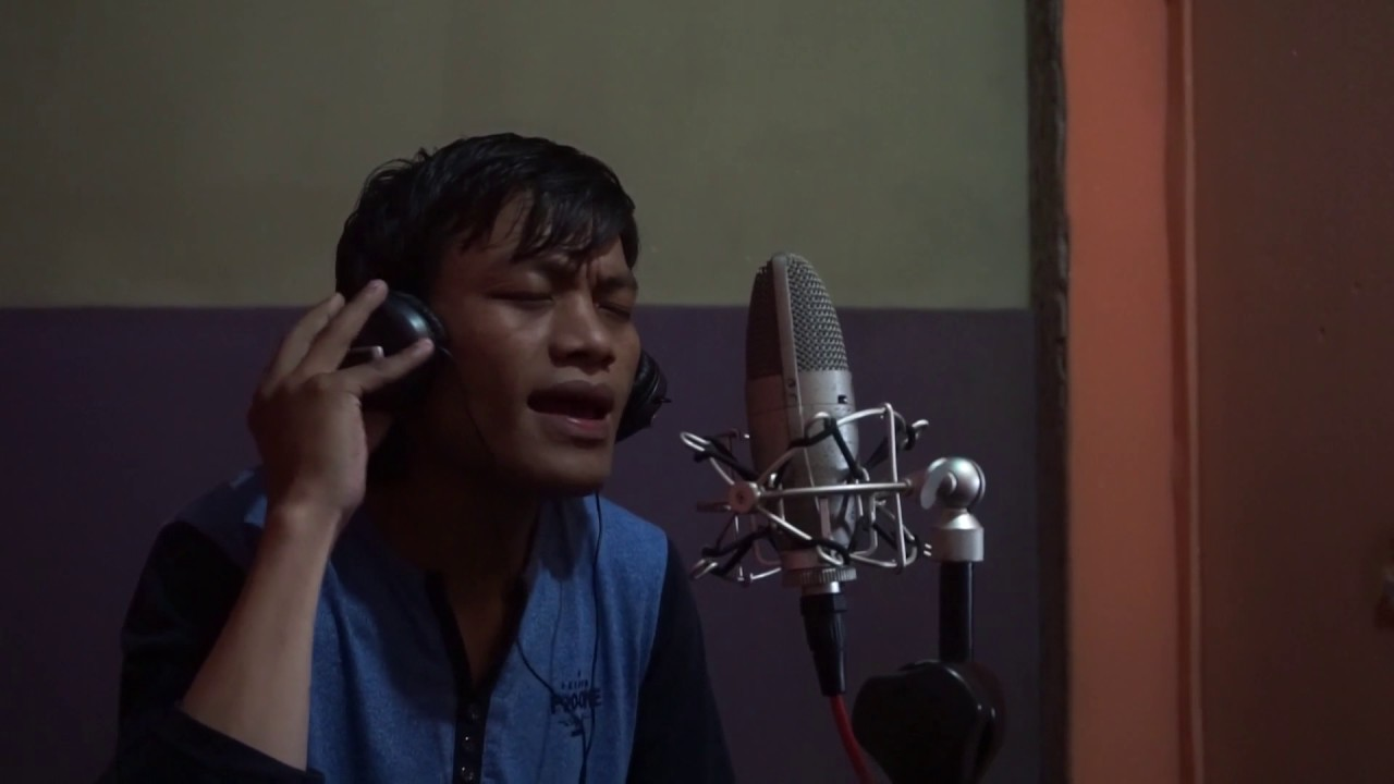 R. Lallawmsanga (Amama) - Lam ang ka lo let leh ta e (Live on Studio)