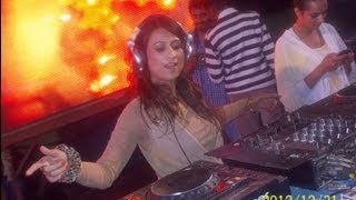 DJ AASHIKAA PERFORMING LIVE @ BANGLORE NEW YEAR EVE