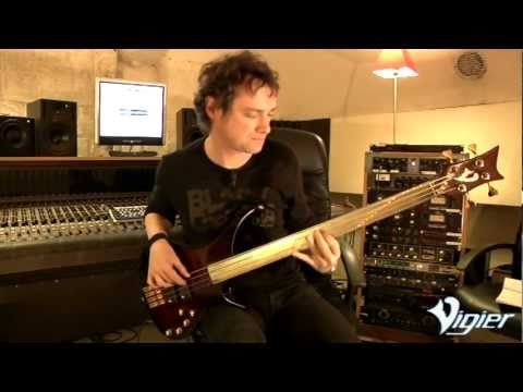 Vigier Passion series IV Fretless 4 string 'Delta Metal' fingerboard demonstration by Pascal Mulot