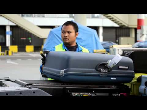 KLM Behind the scenes: Baggage