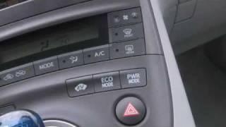 Toyota Prius Review (2009): Interior