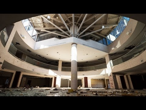 Exploring a Massive Abandoned Hospital - Pt. 1