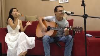 Đừng hỏi em (cover acoustic) by đôi vợ chồng già chưa đến, trẻ đã qua