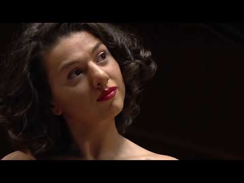 Khatia Buniatishvili - Tchaikovsky: Piano Concerto No 1 In B Flat Minor, Op.23 (2017)