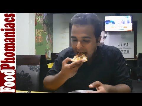 Pizza :: Fri Chicks Premium(LAHORE) :: The FoodPhomaniacs Show :: Episode 37