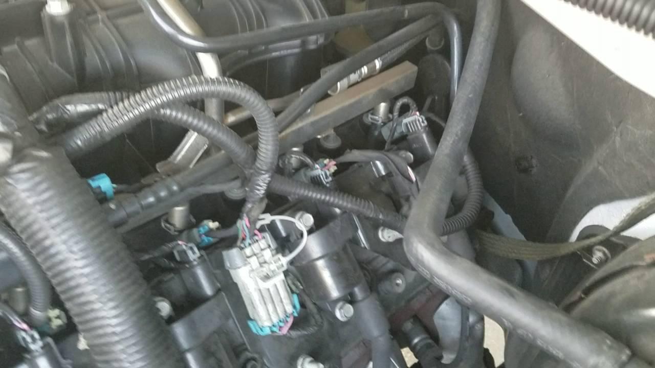 53l Chevy Vacuum leak?  YouTube