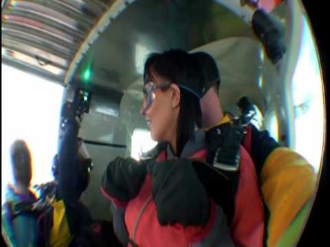 clare worthington skydive jumps 15000feet in las v...