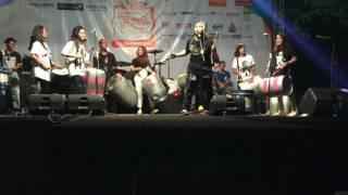 Tataloe performance @ Cihapit Festival