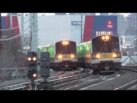 LIRR HD 60fps: One Hour of Continuous Action @ Woodside During Evening Rush Hour (1/12/17)