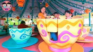 หนูยิ้มหนูแย้ม   เล่นเครื่องเล่นถ้วยหมุนกับช้างบิน Hongkong Disneyland
