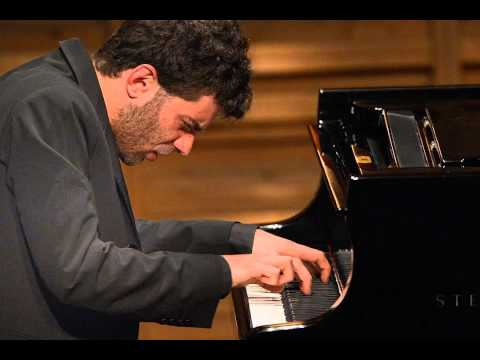 Adam Laloum plays Brahms' Intermezzo 1 (of 'Drei Intermezzi') op. 117 as an encore/ bis