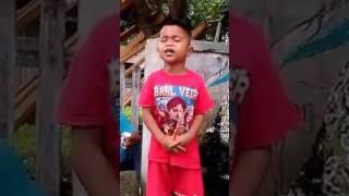 Video Kasian Anak kecil ini nyanyi sampai menangis #kerasnya kehidupan download MP3, 3GP, MP4, WEBM, AVI, FLV April 2018