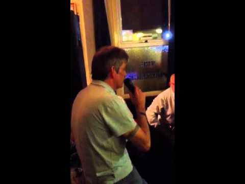 Colin karaoke