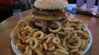 """Westport's Burger Challenge """"super Flea"""" Bacon Burger - Food Challenge"""