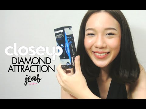 Review | Close Up Diamond Attraction