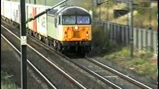 Video Class 56 heads a container train south through Thirsk. 1996. download MP3, 3GP, MP4, WEBM, AVI, FLV Januari 2018