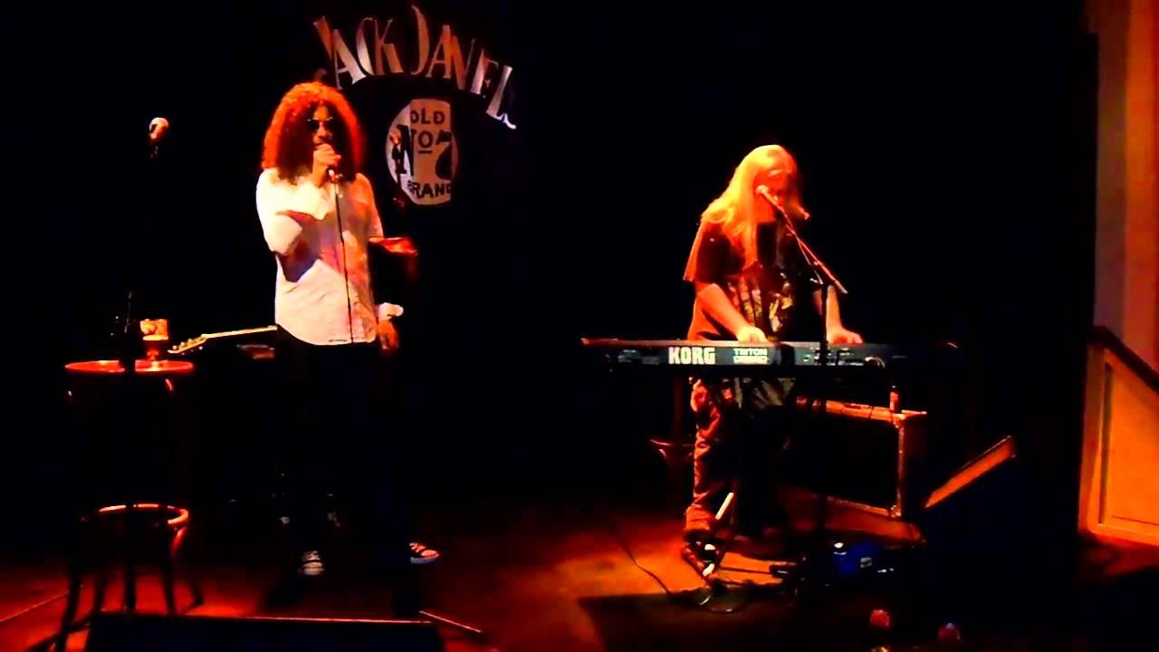 arena-crying-for-help-iv-acoustic-live-version-boerderij-2010-martijn-albering