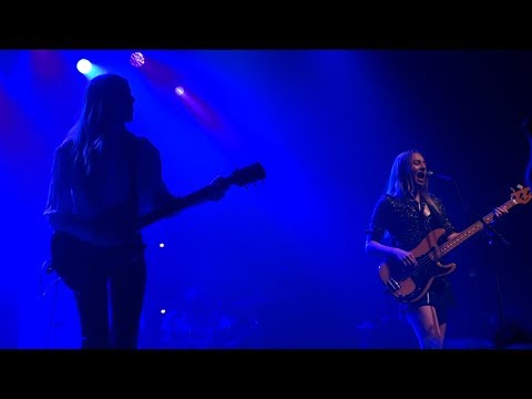 Haim - That Don't Impress Me Much (Shania Twain cover) – Live in Oakland