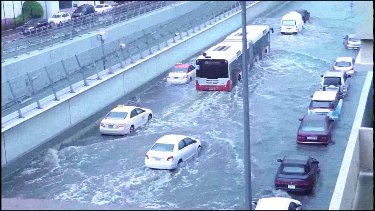 dubai rains flood communities water seeps into homes cars oman flood youtube. Black Bedroom Furniture Sets. Home Design Ideas