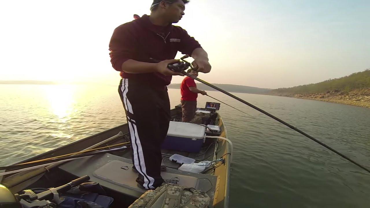 Skiatook lake fishing day for hybrids walleye and small for Skiatook lake fishing report