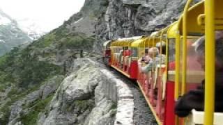 Pyrénées - Le Petit train d'Artouste, plus haut chemin de fer de France