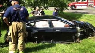 Tesla Model S - Incredible and Unbelievable Accidents Compilation