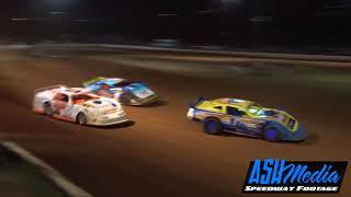 Super Sedans: Summer Slam Night 1 - Race Highlights - Gympie - Dec 2017