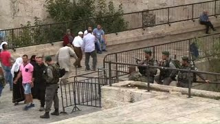 اسرائيل ترفع القيود على عمر المصلين في المسجد الاقصى