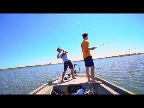 Banjo minnow fishing challenge doovi for Lunkerstv fishing rods