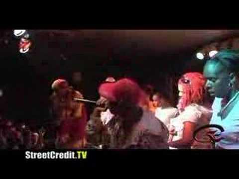 "DJ Unk - ""Walk It Out"" - Live - Rap"