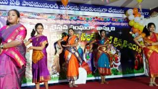 Telugu Christian Girls Group Christmas Folk Dance