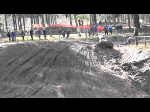 Actiebeelden loodzware eerste NK Motorcross Heerde