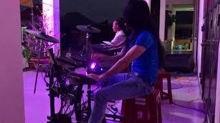 Vùng trời bình yên (drum thiêntài) biểu diễn khúc cuối chọt muốn thủng trống