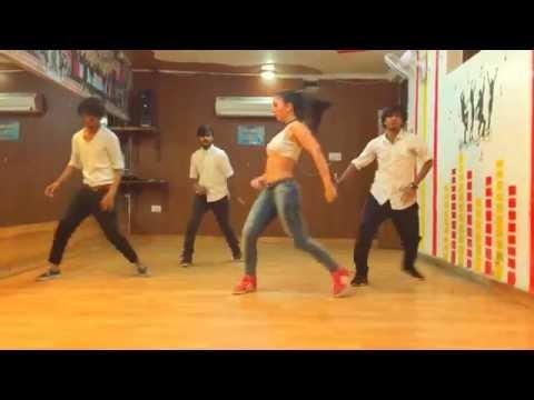 Ladki Beautiful Kar Gayi Chull - Dance Choreography - Featuring Romina from Argentina