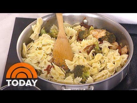 Joy Philbin Cooks Up Tasty Pasta (A La Regis) | TODAY