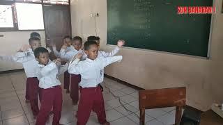 Pembelajaran Menari Lagu Dolanan (Jaranan) Siswa-siswi Kelas 1