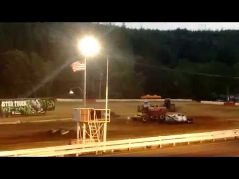 'Rock Star' Freestyle @ Coos Bay Speedway 2016 Monster Truck Rally!