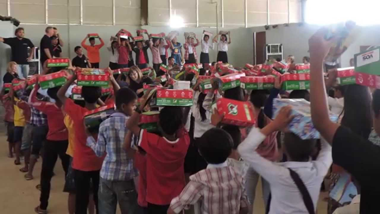 Operation Christmas Child 2015 - Grant Kirby - YouTube