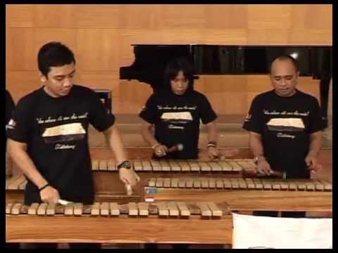 Que Sas, Besame Mucho (Medley) - Kolintang Kawanua Jakarta (K2J)