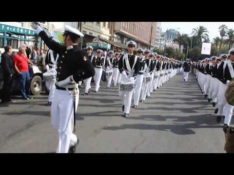 Escuela Naval paso por calle Condell y Pedro Montt Valparaíso 21 de Mayo 2017