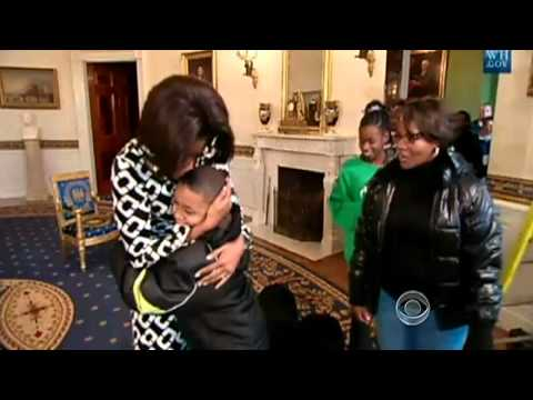 Michelle Obama surprises White House visitors